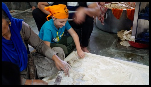 Delhi - Learning to make chapati