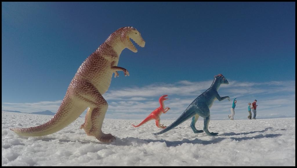 Dinosaur attack! HELP!