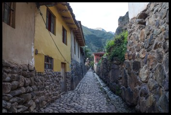 Many narrow, stone streets