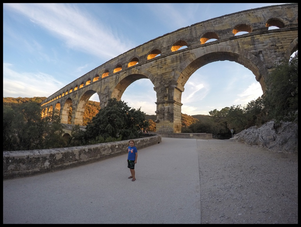 We also visited this amazing Roman Aqueduct near Nimes, the Pont du Gard.