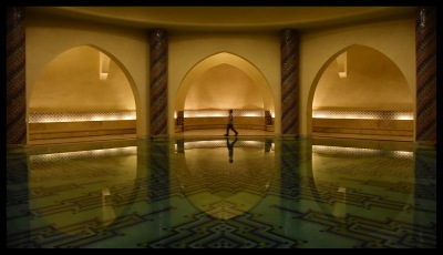The bath under the mosque. It has nothing to do with the mosque and prayer, but is there as an example for tourists to see.